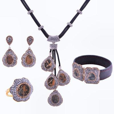 Kadar Collection